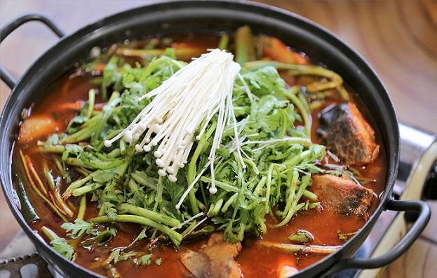 【ぐるナイ】甘辛一口ステーキ イカと野菜の大根巻きの作り方!韓国料理研究家ファンインソンのレシピ!即興お料理バトル!