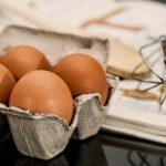 【得する人損する人】小林シェフの卵かけご飯!ごま油&塩だけで!-