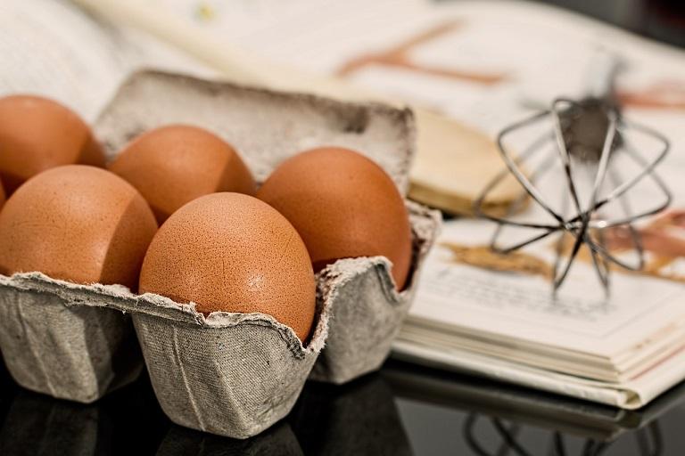 【得する人損する人】小林シェフの卵かけご飯!ごま油&塩だけで!