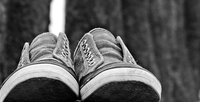 【あさイチ】大人のスニーカー活用術!スタイル良く見せる服装の選び方や痛くない履き方など