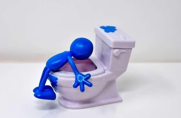 【たけしの家庭の医学】便秘解消に考える人ポーズが効果的!曲がり腸を改善する