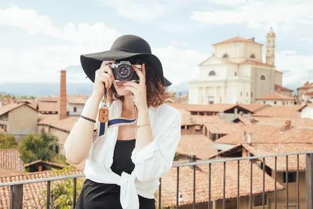 【助けて!きわめびと】主婦の副業、写真アップロードで稼ぐ方法とは?ほったらかしで収入アップ!