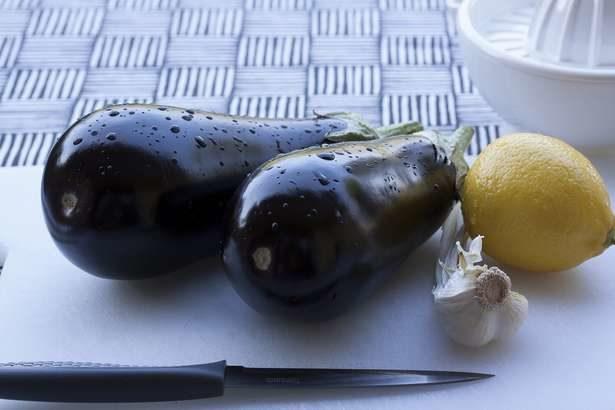 【男子ごはん】ナスと春菊の温サラダの作り方!栗原心平さんのおつまみレシピ