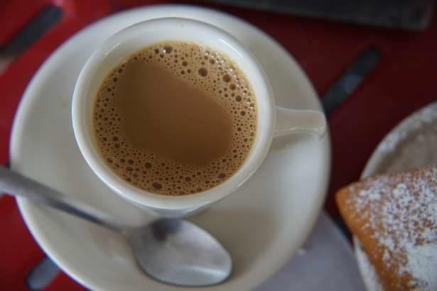 【教えてもらう前と後】コーヒー牛乳で尿酸値を下げる!痛風の激痛予防法