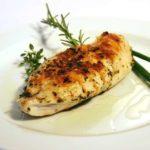 【得する人損する人】鶏むね肉をジンジャーエールでジューシーにする方法!サイゲン大介のレシピ