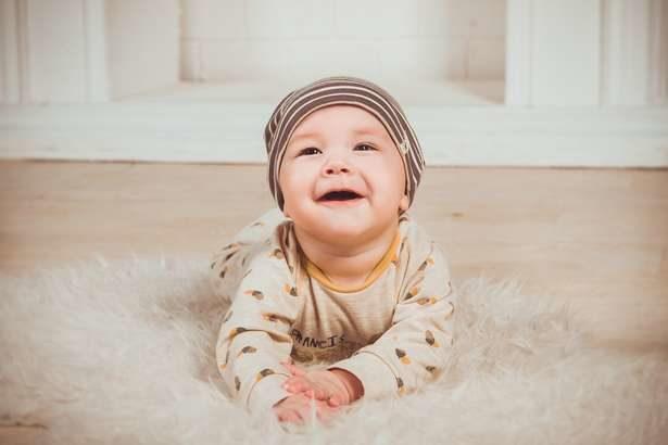 【名医の太鼓判】ハイハイ体操のやり方!赤ちゃんの真似を1日5分で前屈&背骨改善!