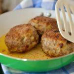 【プロん家に秘密あり】チーズインハンバーグのレシピ!5分で出来るこねないハンバーグの作り方
