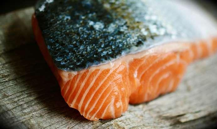 紅鮭のごま油焼き