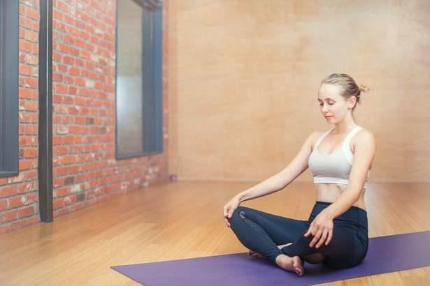 【ビビット】おしりエクボ体操のやり方!股関節を鍛えてポッコリお腹を解消する方法