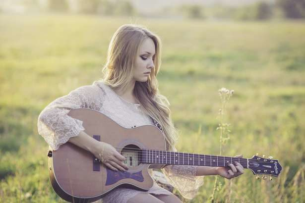 【たけしの家庭の医学】歌いながら手拍子・楽器演奏で認知症予防!物忘れを減らし脳を活性化させる方法
