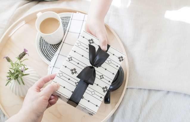 【あさイチ】秘書が選ぶ手土産のおすすめ2品!カラフル最中&イタリアンマロングラッセ