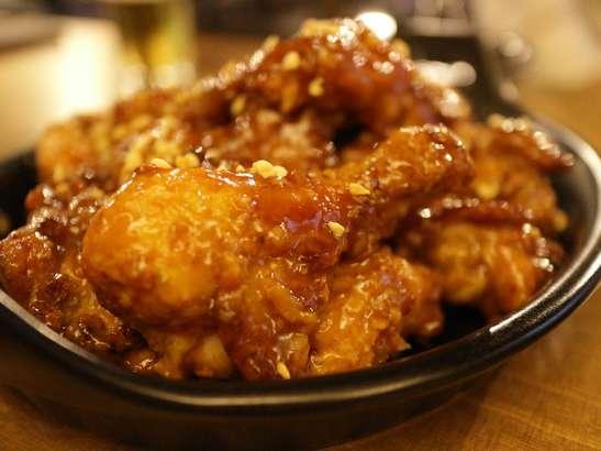 【家事ヤロウ】ヤンニョムチキンの作り方。IKKOさんが名店プングムの味を完コピ再現レシピ【グルメ科捜研】(7月15日)