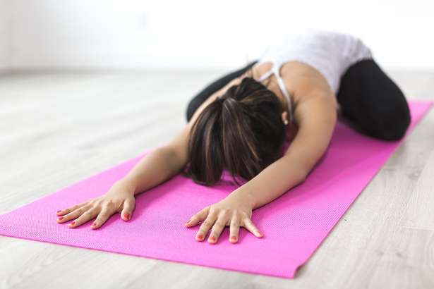 【この差って何ですか】寝たまま体操のやり方。45秒でできる腰痛改善ストレッチ!(9月3日)