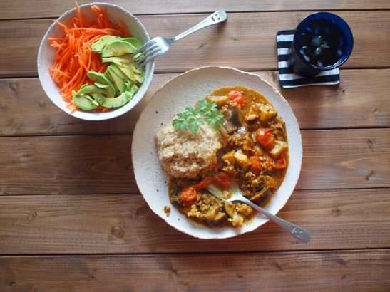 【ヒルナンデス】野菜ジュースで夏野菜カレーの作り方。遠藤香代子さんの漬けるだけ簡単&時短レシピ(8月4日)