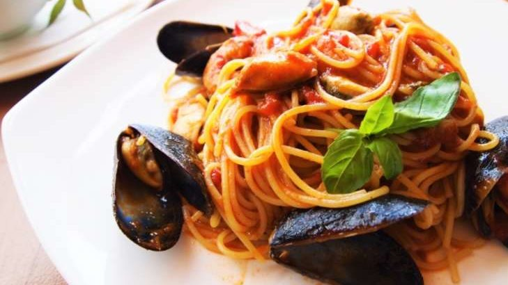 【グッとラック】辛ラーメンで魚介たっぷりペスカトーレのレシピ。ギャル曽根さんのアレンジランチ(3月18日)