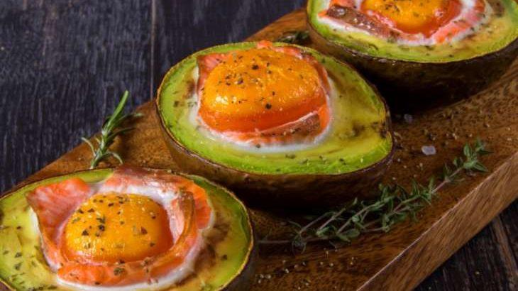 【家事ヤロウ】アボカドエッググラタンの作り方。キングオブタマゴ簡単たまご料理レシピ(10月16日)