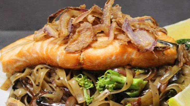 【ヒルナンデス】サーモン蒸しのねぎ生姜風味の作り方。五十嵐美幸シェフの炊き蒸しレシピ【料理の基本検定】(11月11日)