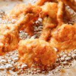【男子ごはん】カリカリフライドチキン&フレーバーポテトの作り方。栗原心平さんのクリスマスレシピ(12月22日)