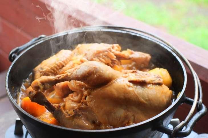 あさいち鶏もも肉の赤ワイン煮込み