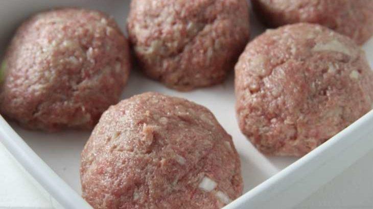 【メレンゲの気持ち】塩こうじハンバーグの作り方。玉ねぎもつなぎも不要!時短レシピ(4月11日)