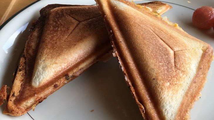 【教えてもらう前と後】レトルトカレーで焼きカレーパンの作り方。食パンで簡単!巣ごもりレシピ(4月14日)