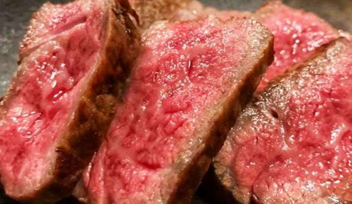 【男子ごはん】牛ステーキとオニオンしょうゆソースの作り方。栗原心平さんの牛肉レシピ(4月12日)