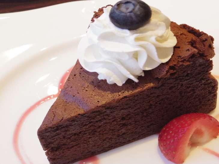 山本ゆりショコラケーキ