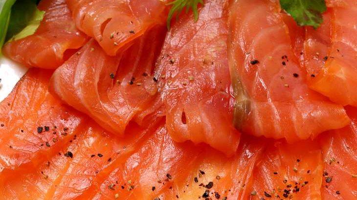 【土曜はナニする】サーモンの塩昆布漬けのレシピ。バズる料理研究家ジョーさん。の簡単手抜き料理(6月20日)