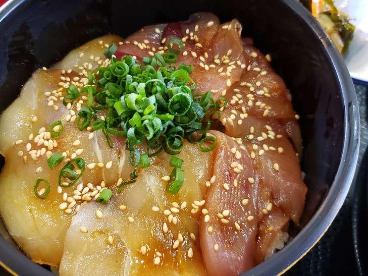 ラヴィット海鮮丼