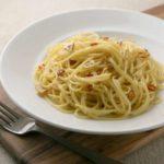 リュウジさんの至高のペペロンチーノの作り方・レシピ動画。パスタを具材と一緒に煮込むのがポイント!