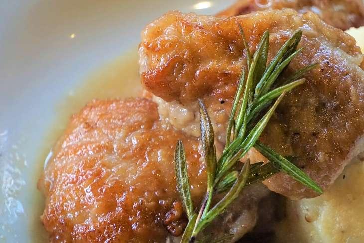 しまさん鶏もも肉オリーブ煮