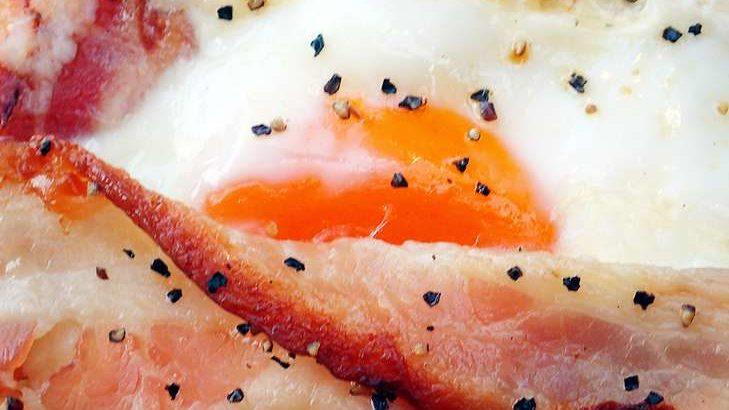 【家事ヤロウ】包み焼きベーコンエッグの作り方。ホットサンドメーカーで激うま飯レシピ(8月19日)
