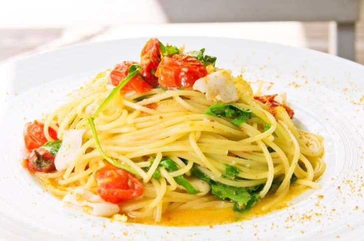 男子ご飯トマトのアーリオオーリオ