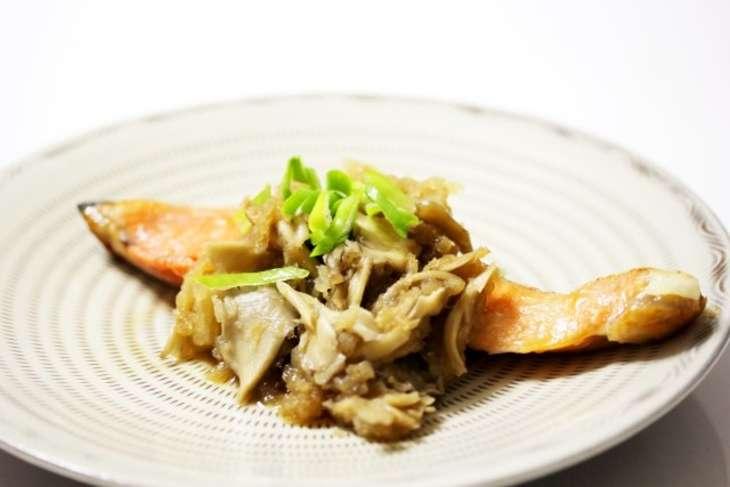 ごごナマ秋鮭のムニエルきのこソース