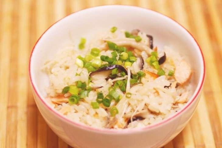 ギャル曽根鮭ときのこの炊き込みご飯