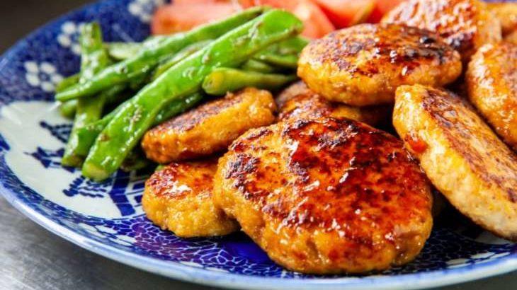 【土曜は何する】鶏つくねのレシピ。えのきでふわふわ!和田明日香さんの地味ごはん(6月26日)