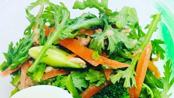しまさん柿と春菊のサラダ