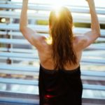 【土曜は何する!?】立ち筋トレのやり方と効果まとめ。ユウトレ先生の1分腹筋・美脚・脂肪燃焼トレーニング方法 12月12日
