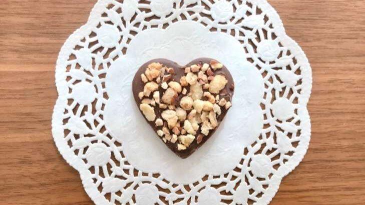 【ノンストップ】チョコレートクランチのレシピ。パン粉で簡単!バレンタインにおすすめチョコ スイーツ 2月10日