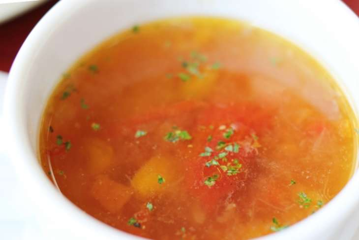 ひるなんですトマトとふんわり豚肉のスープ