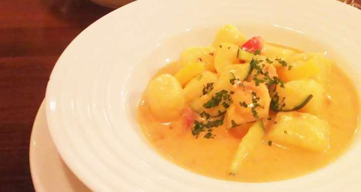 【ラヴィット】トマトとマスカルポーネの手打ちパスタのレシピ。ミシュランシェフの10分2品レシピ【ラビット】7月8日