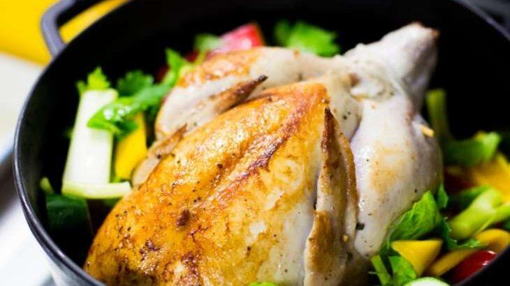 【男子ごはん】塩水漬けローストチキンのレシピ。ダッチオーブンで作る夏のキャンプ飯(8月7日)