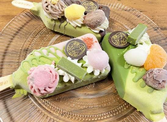 宇治抹茶パフェアイスバーを食べてみた【敬老の日におすすめ】伊藤久右衛門のアイス詰め合わせセット