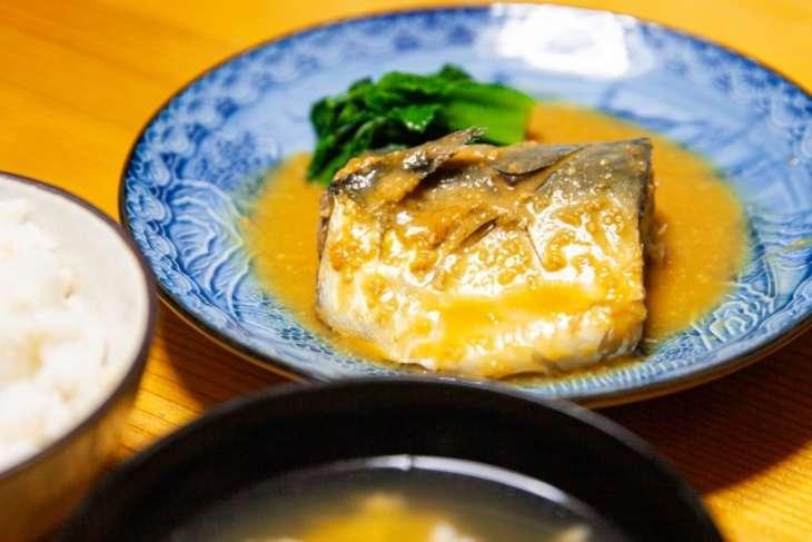 ヒルナンデスサバ味噌定食